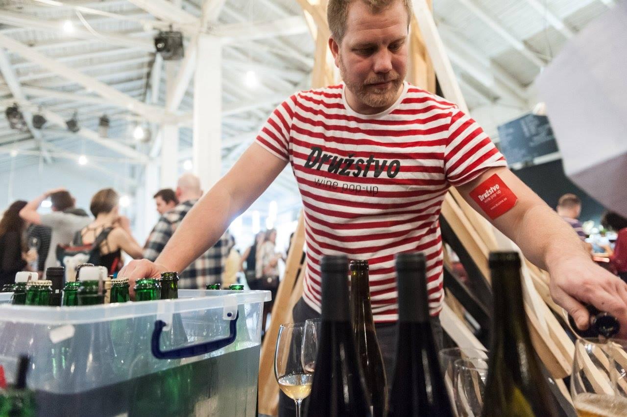 ST / 17. 5. / 18.00 / Družstvo wine pop-up #7: Zpátky ke kořenům / pop-up